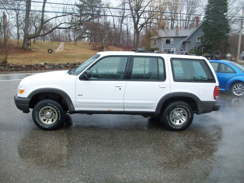 2000 FORD EXPLORER/XLT/POWER EVERYTHING/COMES STATE INSPECTED & JUST SERVICED