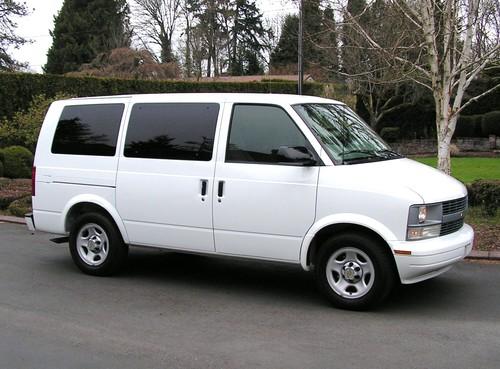2005 chevrolet astro ls passenger van one owner like brand new stone white. Black Bedroom Furniture Sets. Home Design Ideas