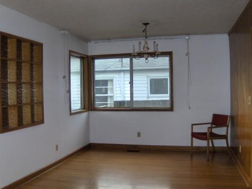8615 E Burnside St, Portland, OR, 97216, US