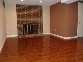 Rent a condo in Richmond Heights