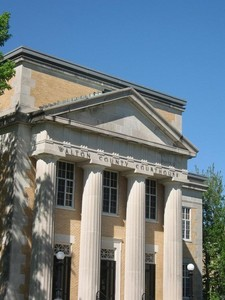 4421138-walton_county_courthouse_DeFuniak_Springs.jpg