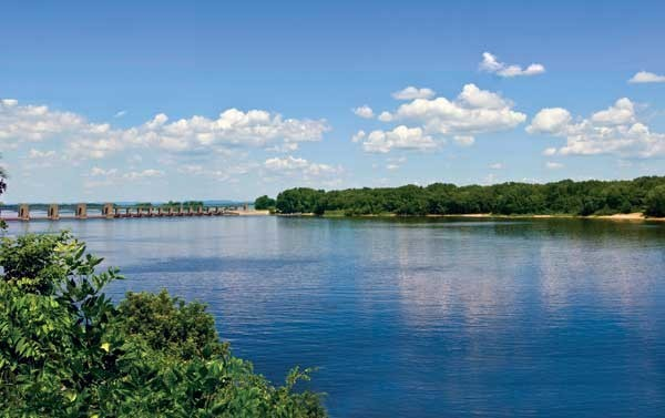 upper-mississippi-river-in-lacrosse-wi.jpg