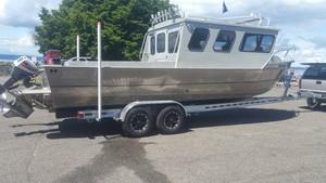 aluminumfishingboaton8800.jpg